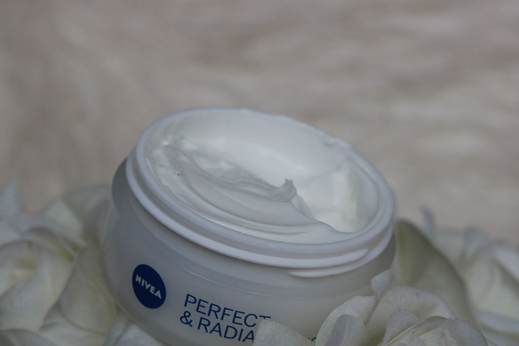 Nivea Perfect and Radiant Day Cream SPF 15 Review